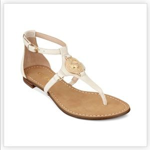 Guess t-strap sandal white and gold